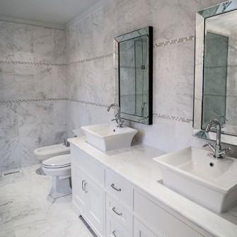 White Marble Luxurious Bathroom